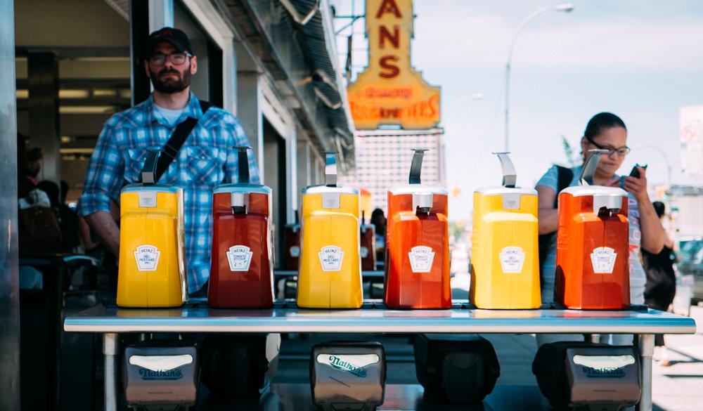 reise bericht new york gotham ketchup heinz coney island hotdog stand